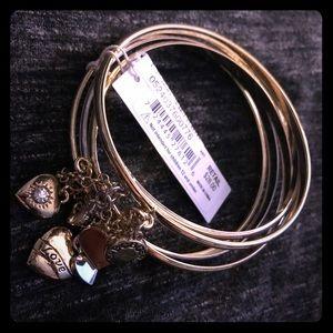 🦉BCBG Silver Toned Bracelet Set w Heart Charms
